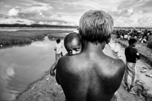 A Rohingya Muslim father